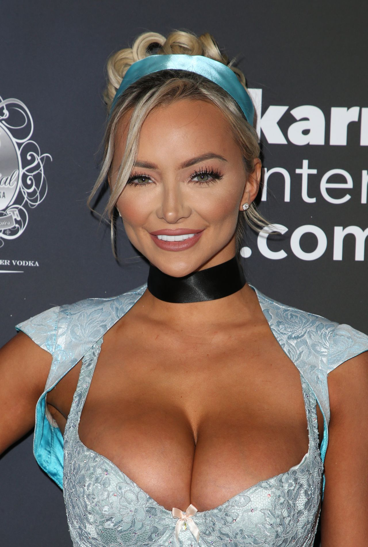 Lindsey Pelas  Maxim Halloween Party 2017 In Los Angeles-8541