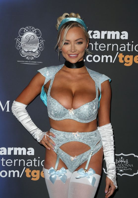 Lindsey Pelas – Maxim Halloween Party 2017 in Los Angeles