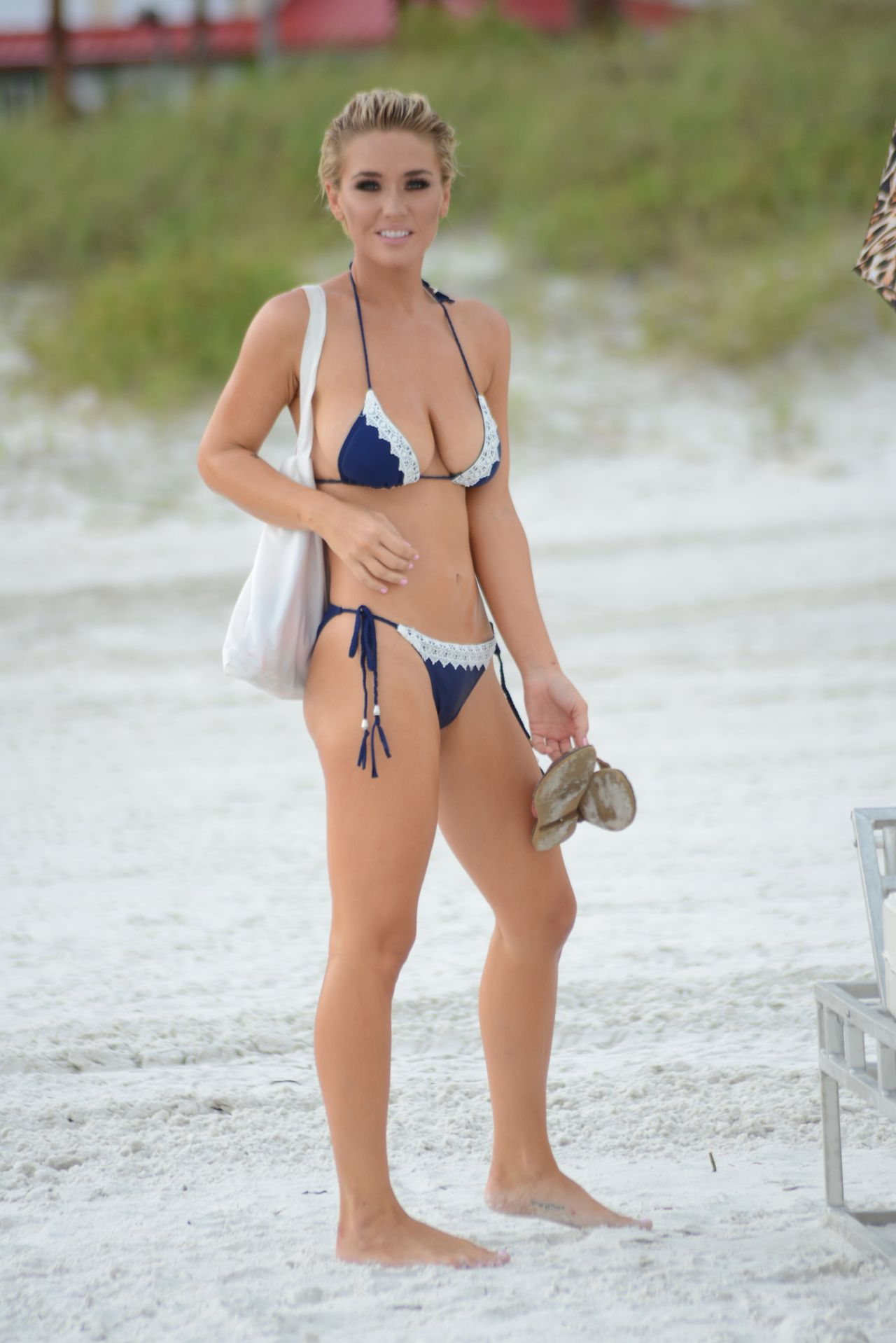 lisa-opie-and-lauren-hubbard-in-bikinis-miami-beach-10-02-2017-13.jpg