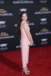 "Mackenzie Foy – ""Thor: Ragnarok"" Premiere in Los Angeles 10/10/2017"