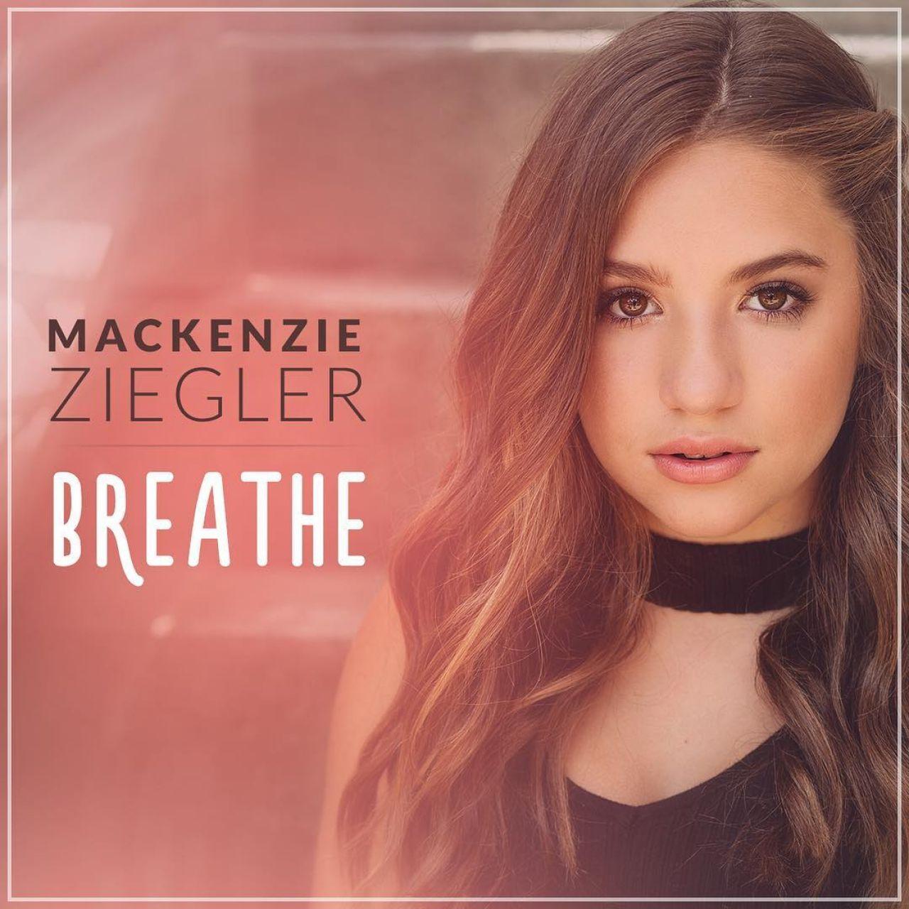 Mackenzie Ziegler Pics