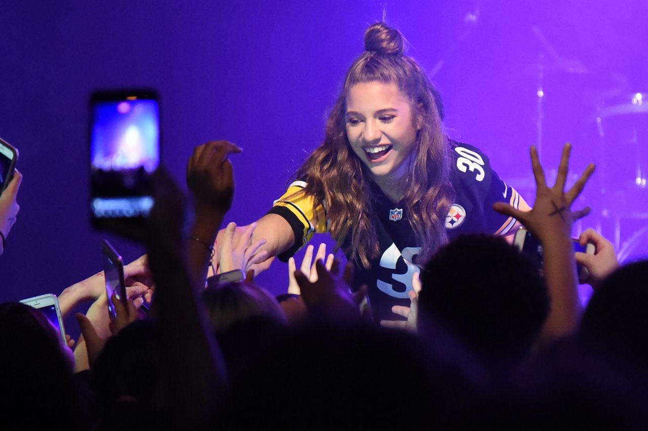 """Maddie Ziegler and Mackenzie Ziegler - """"Johnny Orlando & Mackenzie Ziegler in Concert"""" in Millvale"""