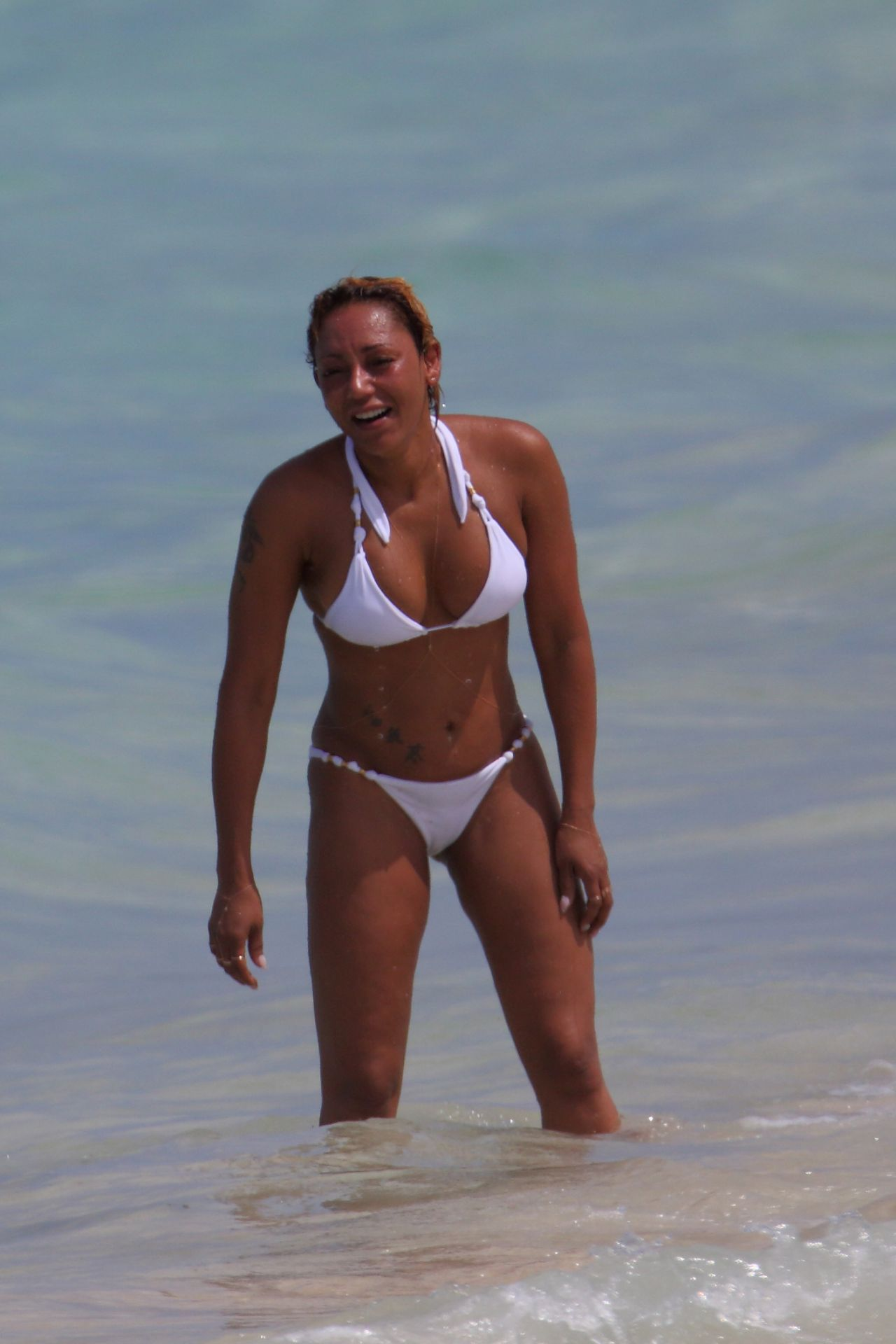 Melanie brown in a white bikini hawaii naked (12 images)