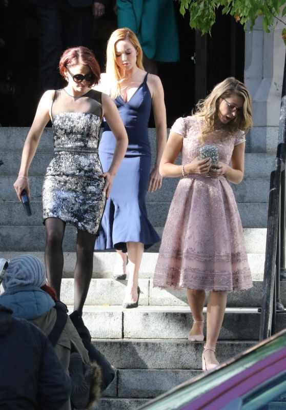 "Melissa Benoist, Chyler Leigh and Caity Lotz - ""Arrowverse"" Crossover Episodes Filming in Vancouver 10/11/2017"