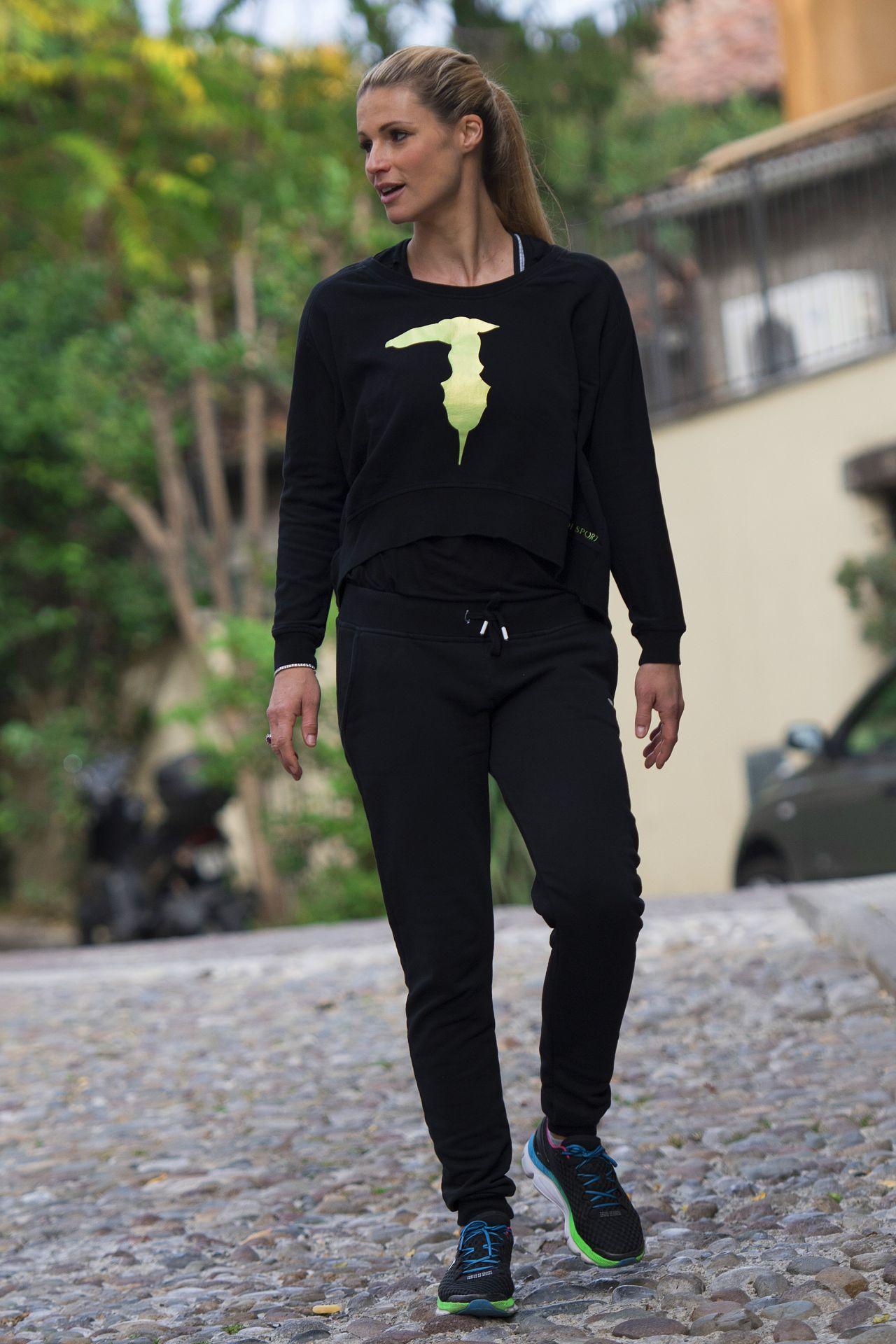 Michelle Hunziker Street Style - Bergamo, Italy, 10/28/2017