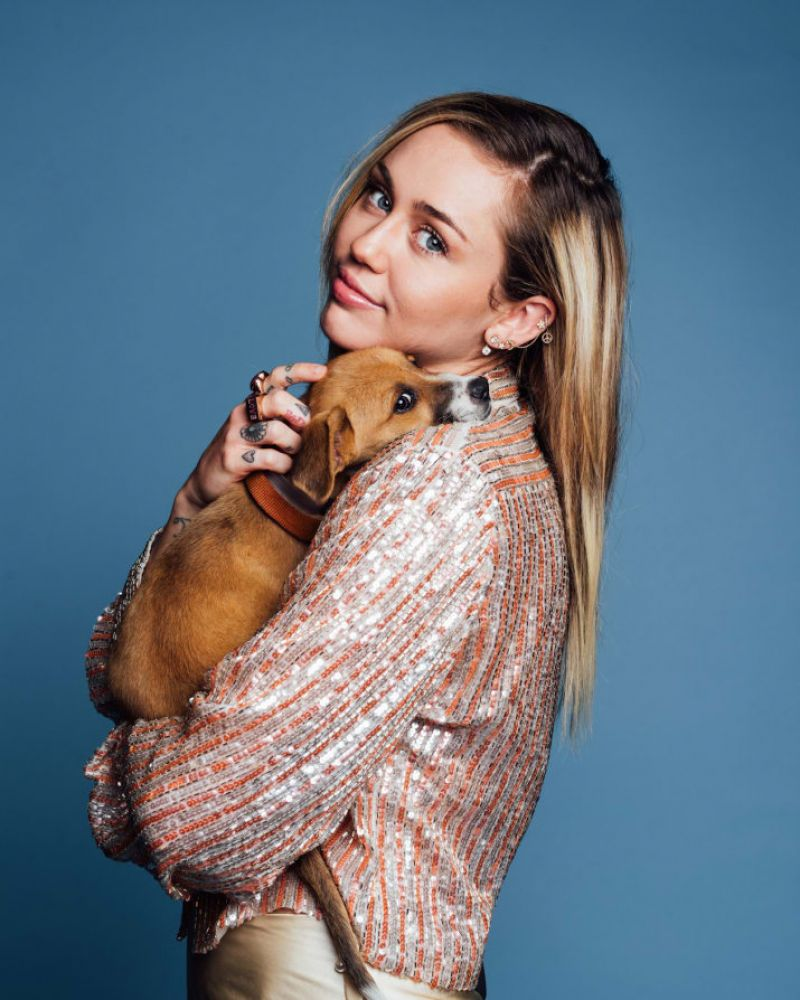 Miley Cyrus Images - Buzzfeed, October 2017