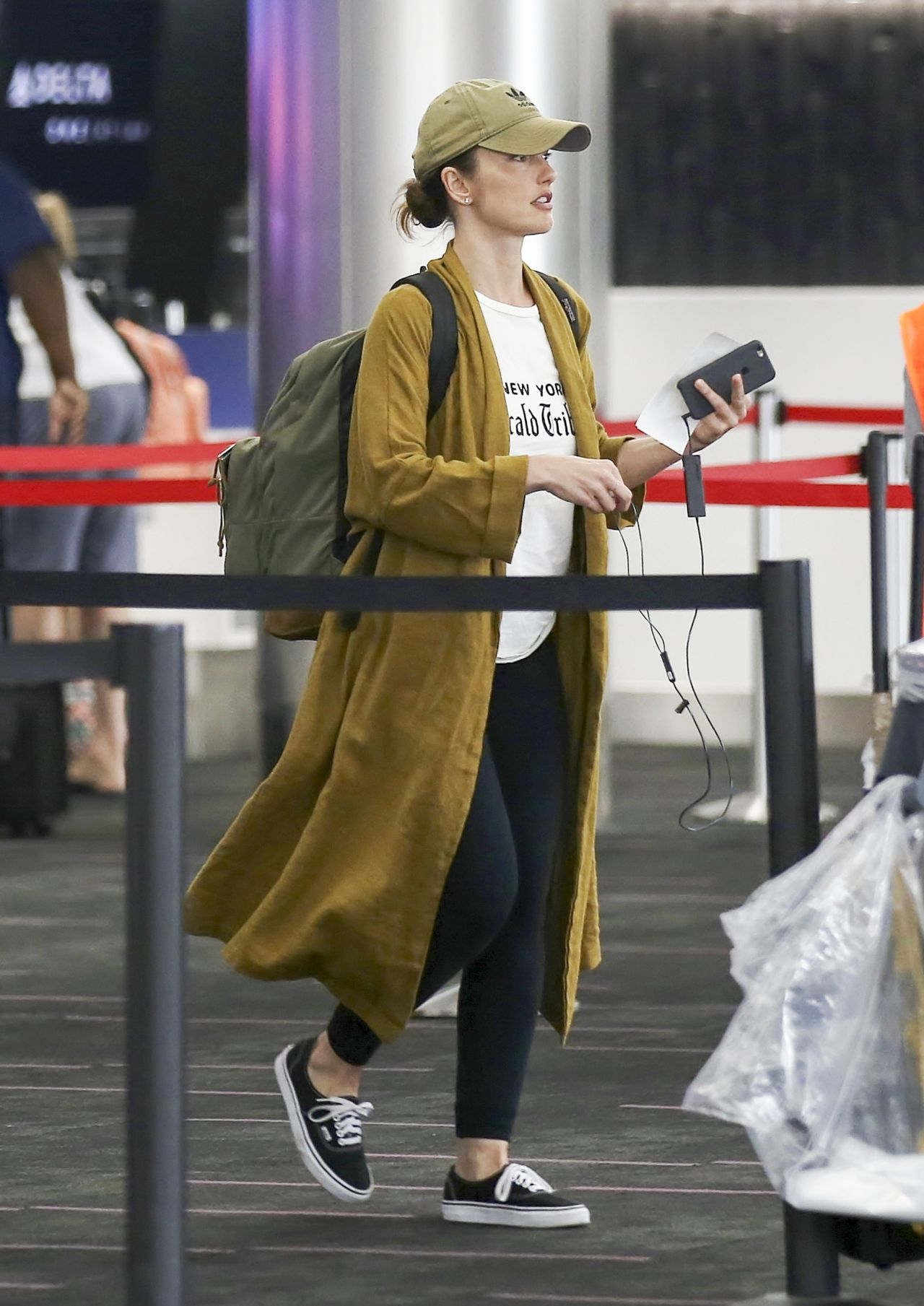 Minka Kelly in Travel Outfit - LAX Airport in Los Angeles 10/29/2017