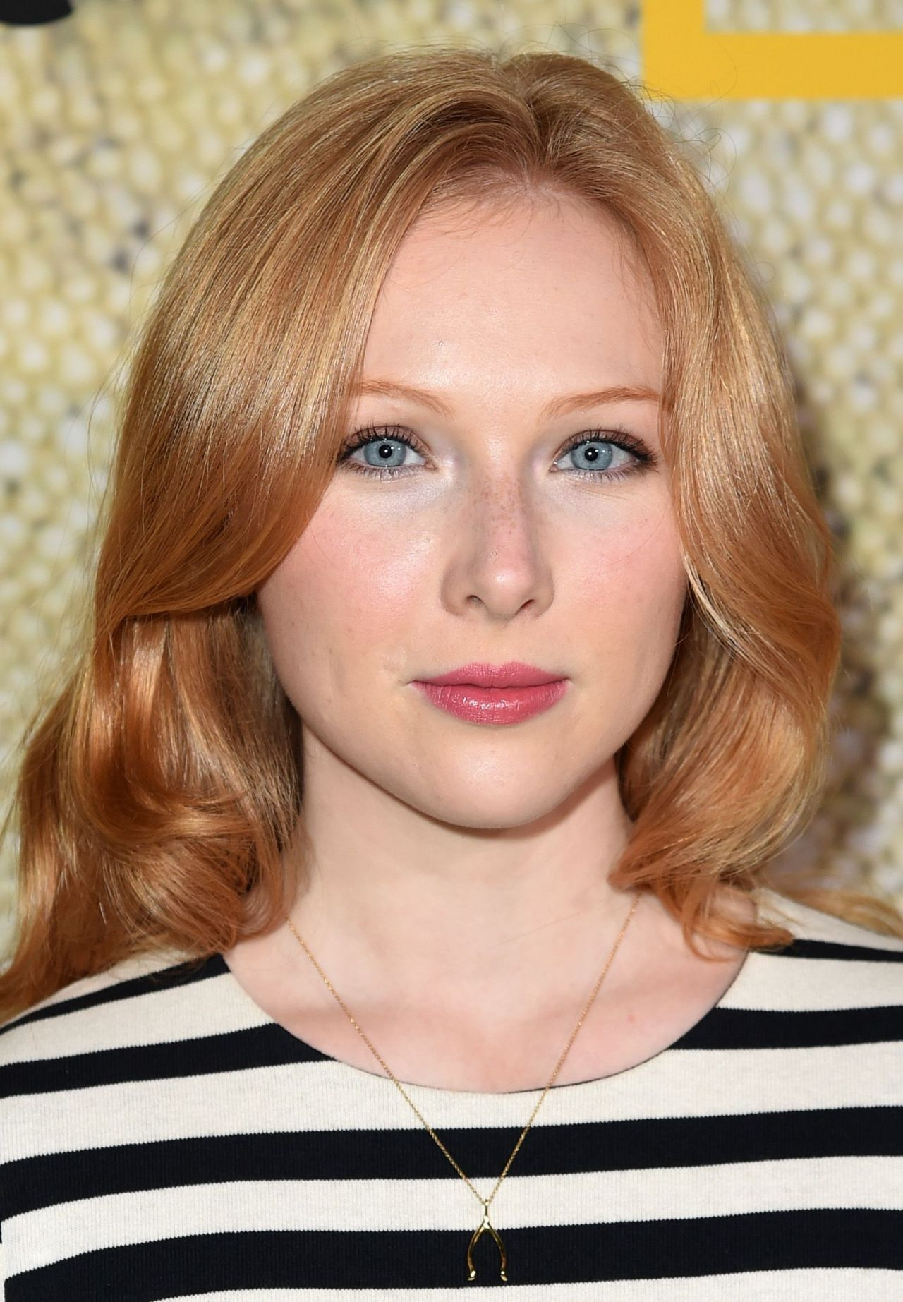 Molly Quinn The Long Road Home Premiere In La 10 30 2017