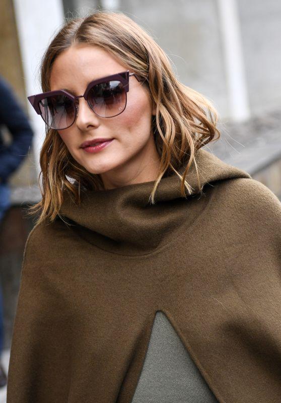 Olivia Palermo Style - Leaving Giambattista Valli Fashion Show in Paris 10/02/2017