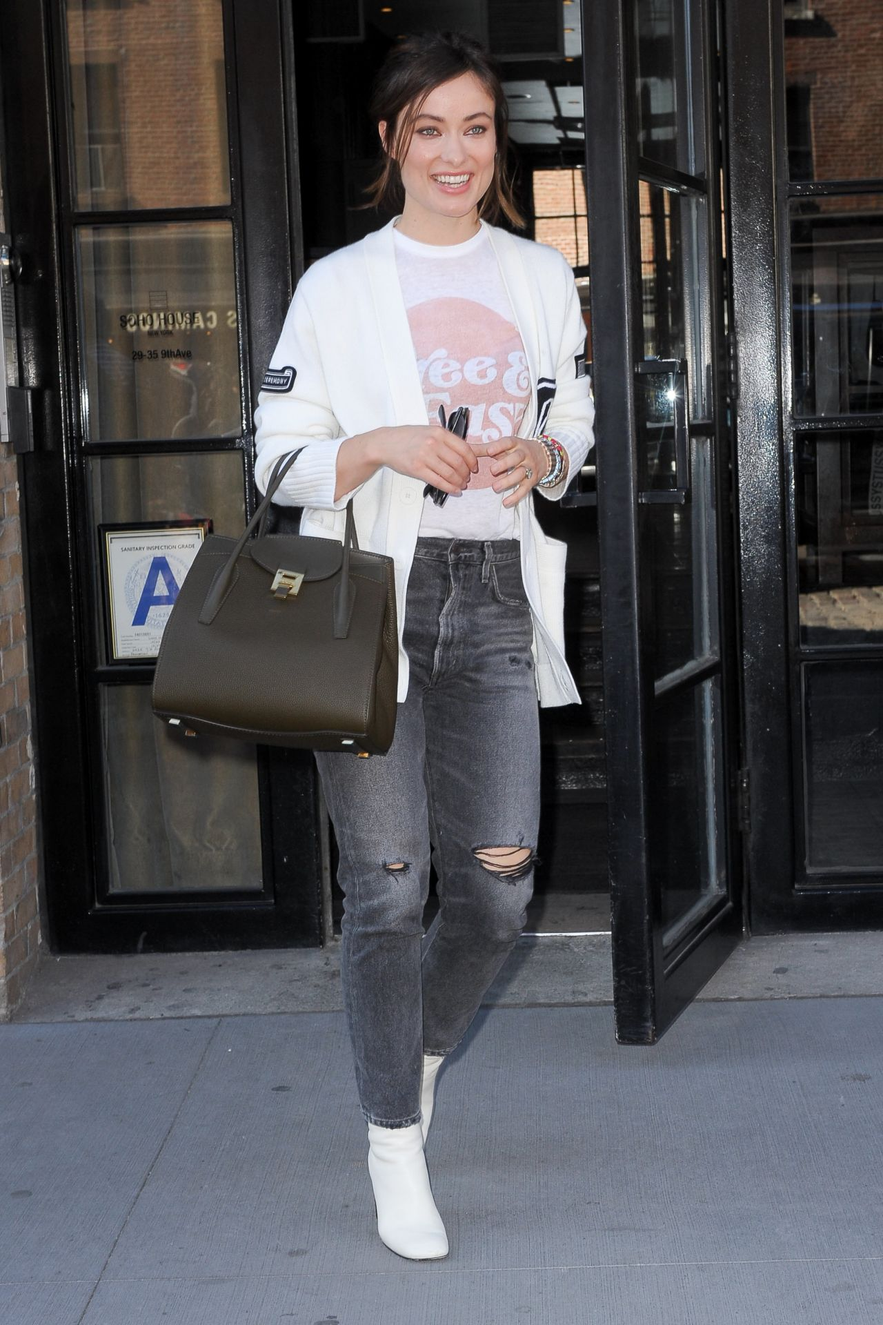 Olivia wilde leaving her hotel in nyc
