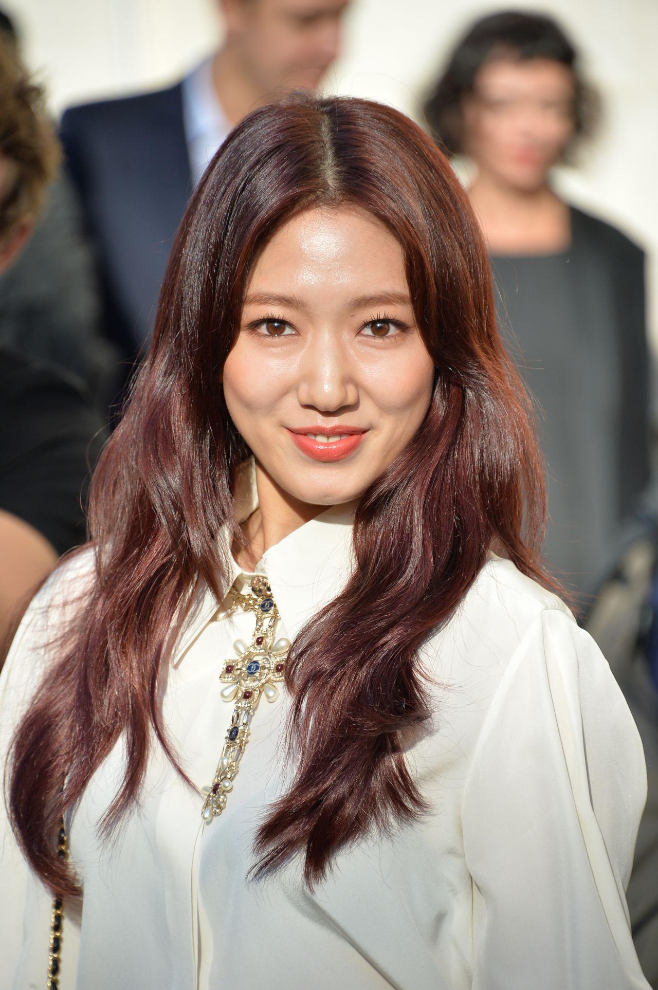 Park Shin Hye Fashion Style