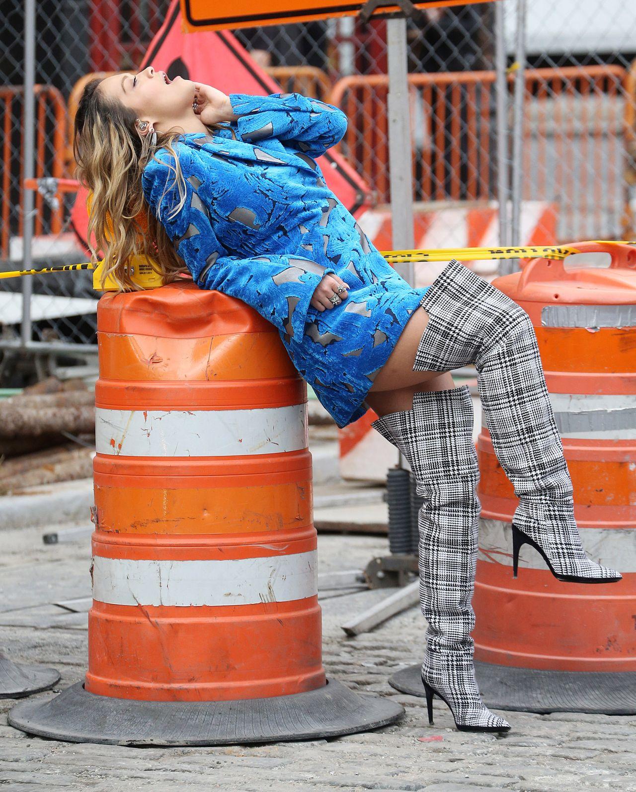 rita-ora-filming-a-music-video-in-new-york-city-10-05-2017-17.jpg