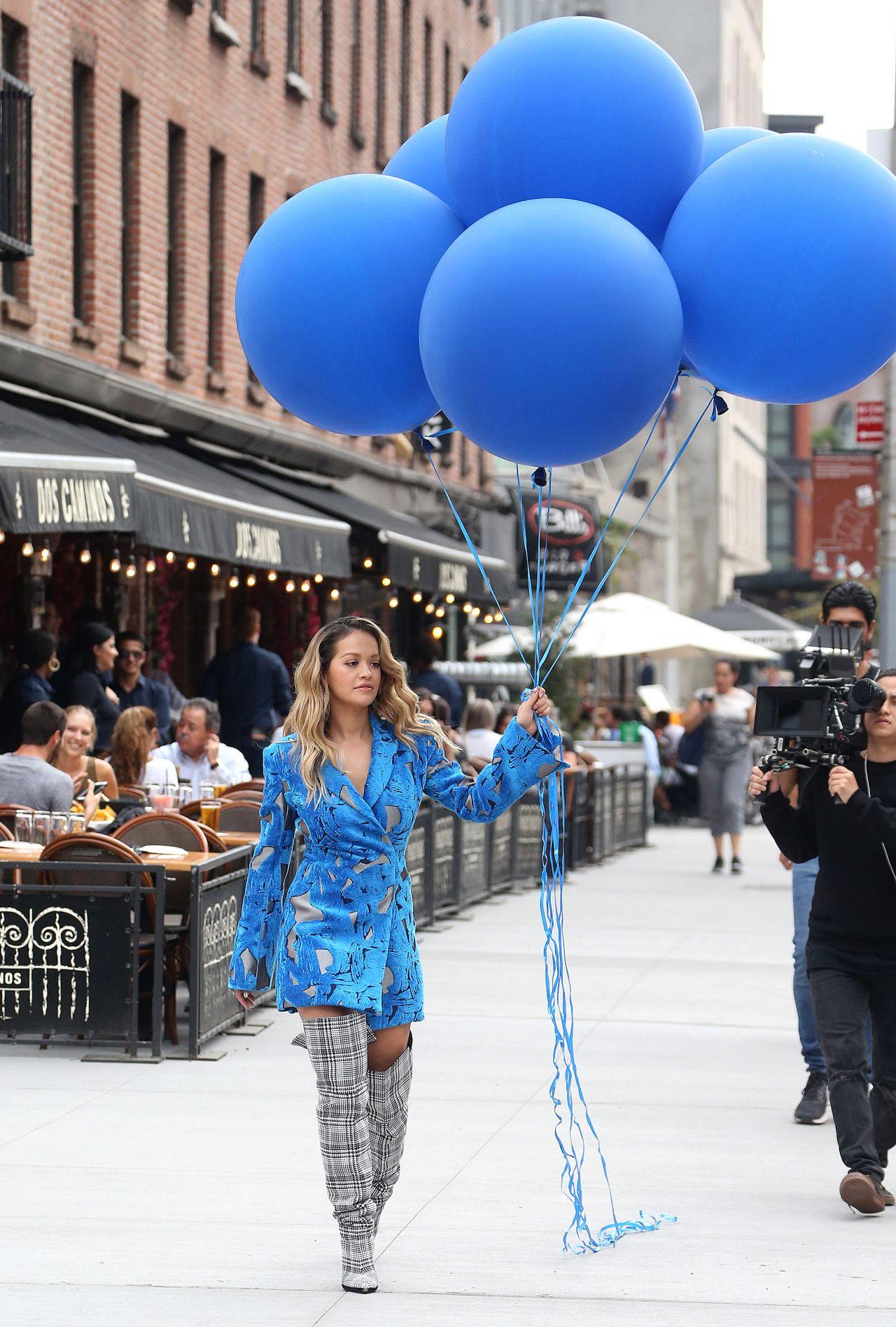 rita-ora-filming-a-music-video-in-new-york-city-10-05-2017-18.jpg