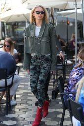 Romee Strijd Urban Street Style - Los Angeles 10/05/2017