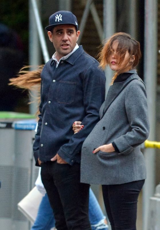 Rose Byrne and Bobby Cannavale - New York City 10/01/2017