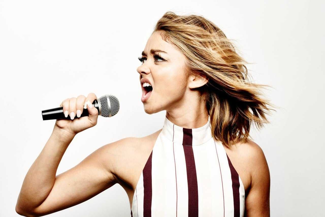 Sarah Hyland - Lip Sync Battle Photoshoot 2017