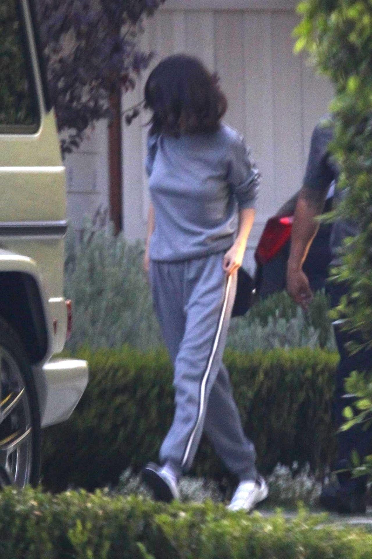Selena Gomez Outside Her Home At Toluca Lake 10 23 2017