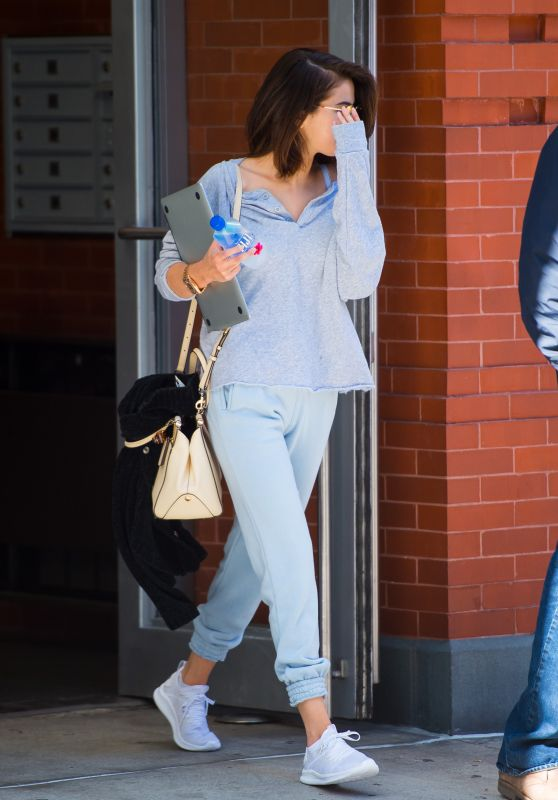 Selena Gomez Wearing Comfy Clothes - Out in NYC 10/04/2017