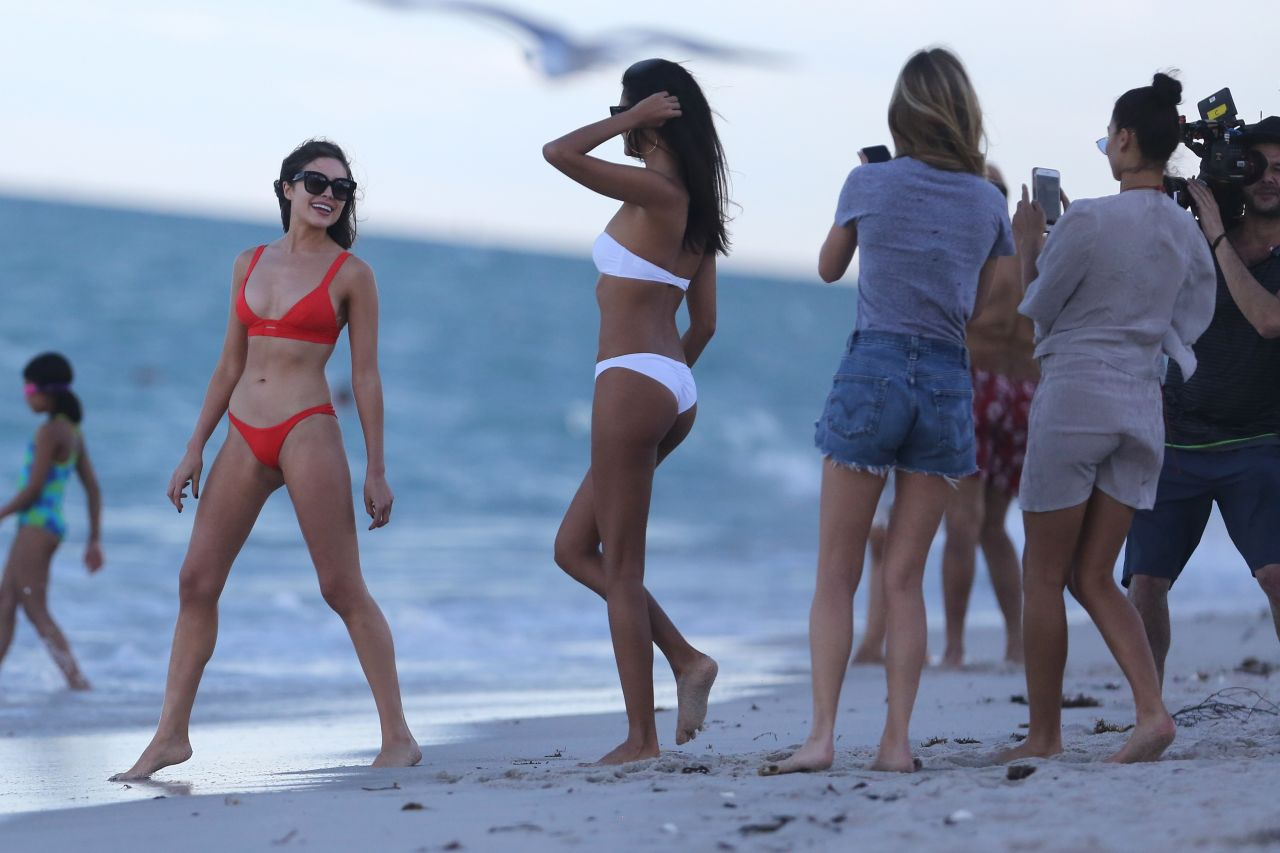 Shanina Shaik Caroline Lowe Olivia Culpo and Daniela Braga in Bikini Photoshoot in Miami Beach Pic 5 of 35