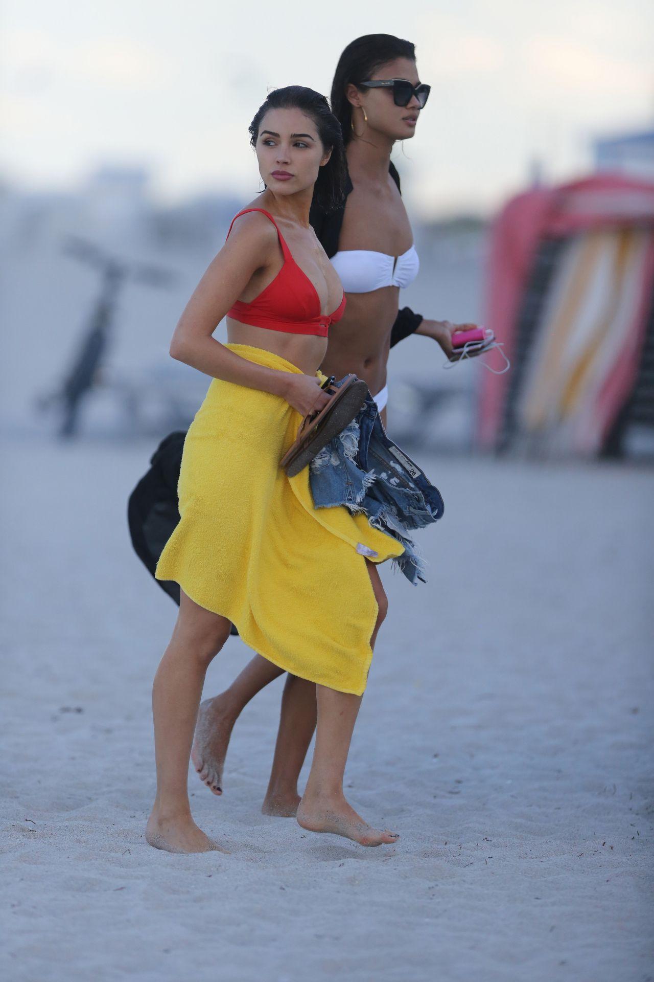 Shanina Shaik Caroline Lowe Olivia Culpo and Daniela Braga in Bikini Photoshoot in Miami Beach Pic 35 of 35