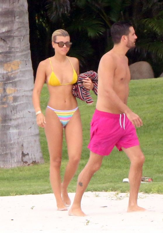 Sofia Richie In Bikini Mexico 10 02 2017