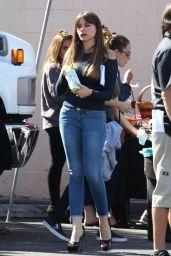 Sofia Vergara - Modern Family Set in Los Angeles 10/17/2017