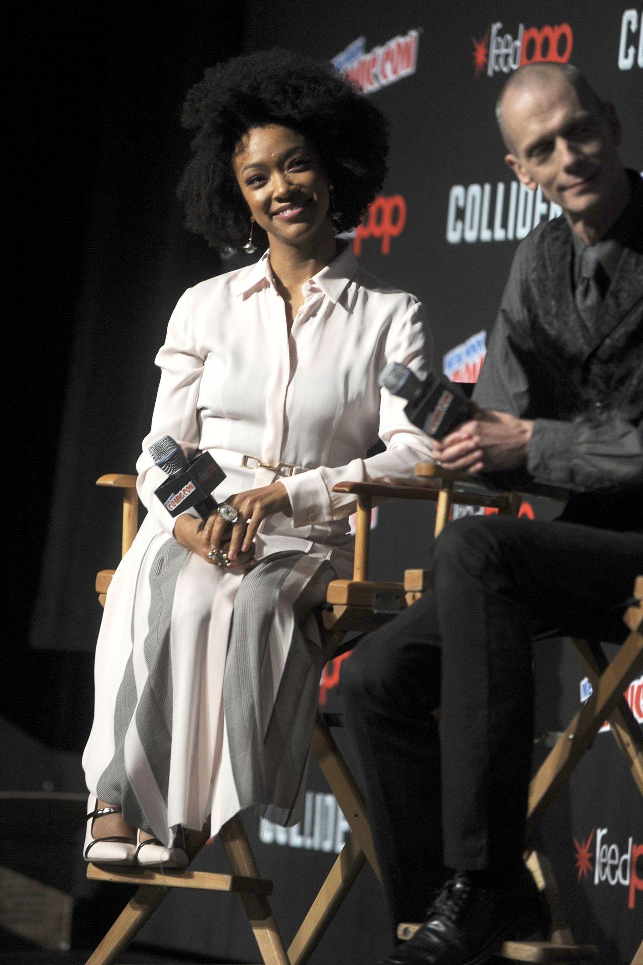 "Sonequa Martin-Green - ""Star Trek: Discovery"" New York Comic Con Panel Discussion 10/08/2017"