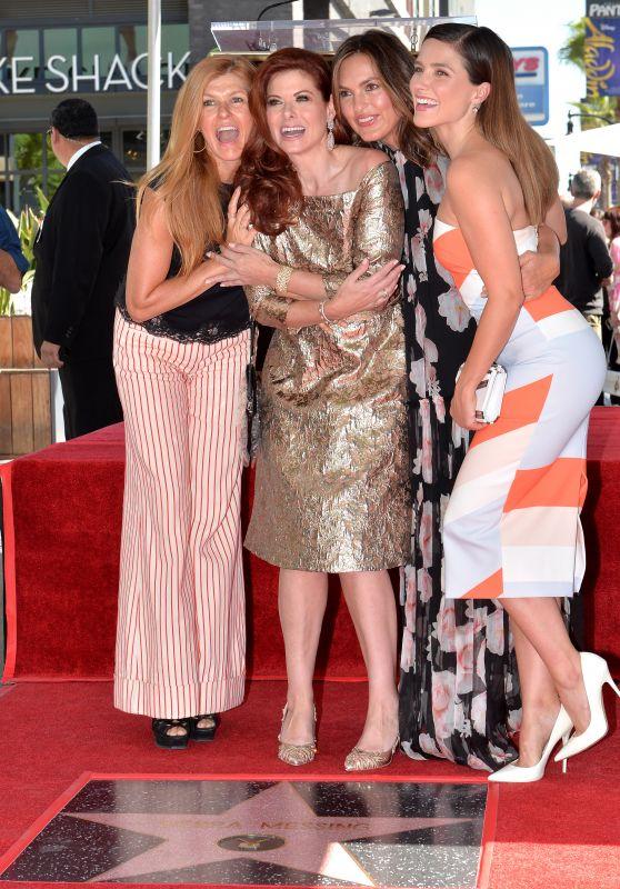 Sophia Bush, Connie Britton, Mariska Hargitay at Debra Messing
