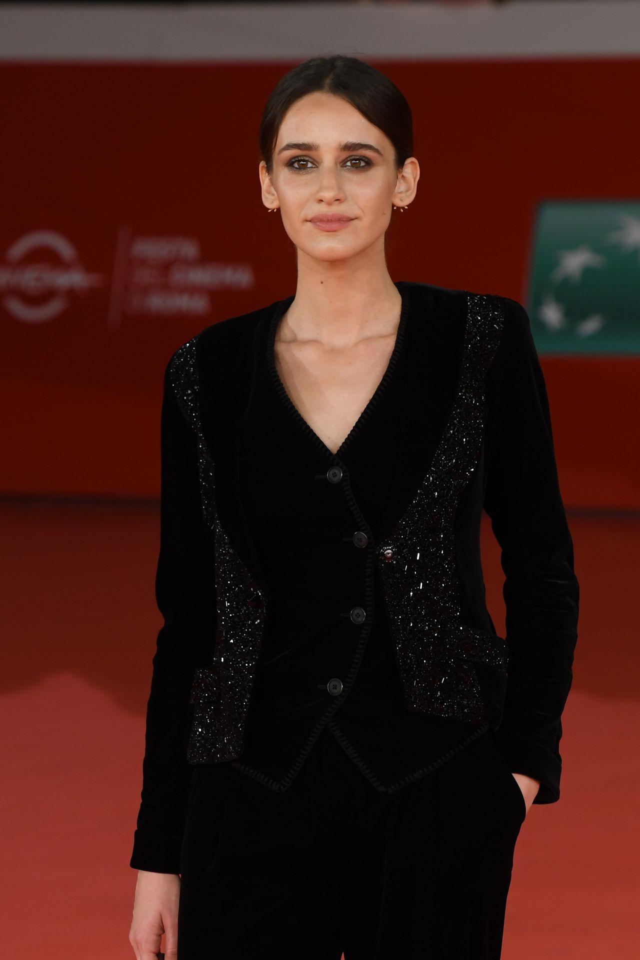 "Valentina Belle – ""Cinque"" Premiere at 2017 Rome Film Festival"