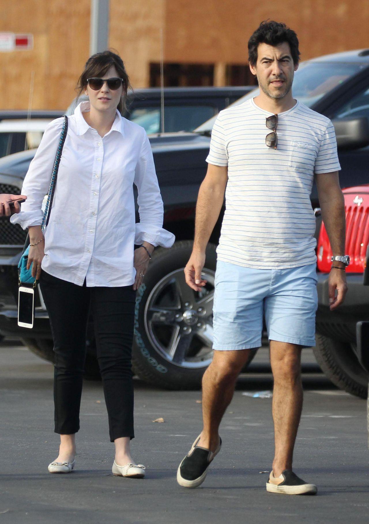 Zooey Deschanel and Her Husband Jacob Pechenik - Shopping ...