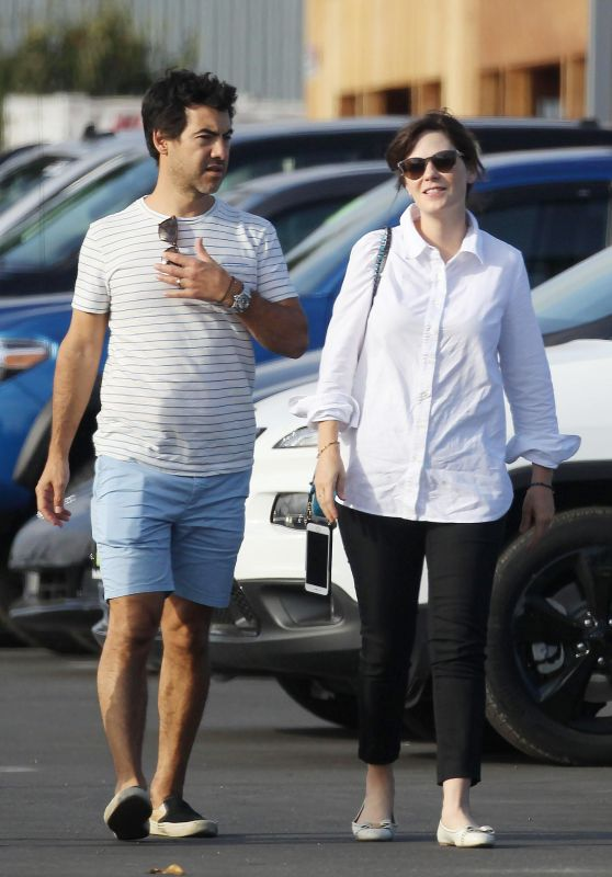 Zooey Deschanel and Her Husband Jacob Pechenik - Shopping for a New Car in LA 09/30/2017