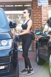 Alessandra Ambrosio in Workout Gear - Brentwood 11/14/2017