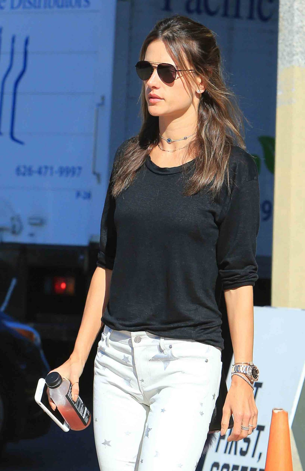 Alessandra Ambrosio - Leaves Alfred Coffee in Brentwood 11/14/2017