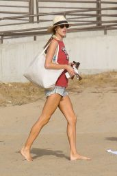 Alessandra Ambrosio - Plays Volleyball on the Beach in Santa Monica 11/25/2017