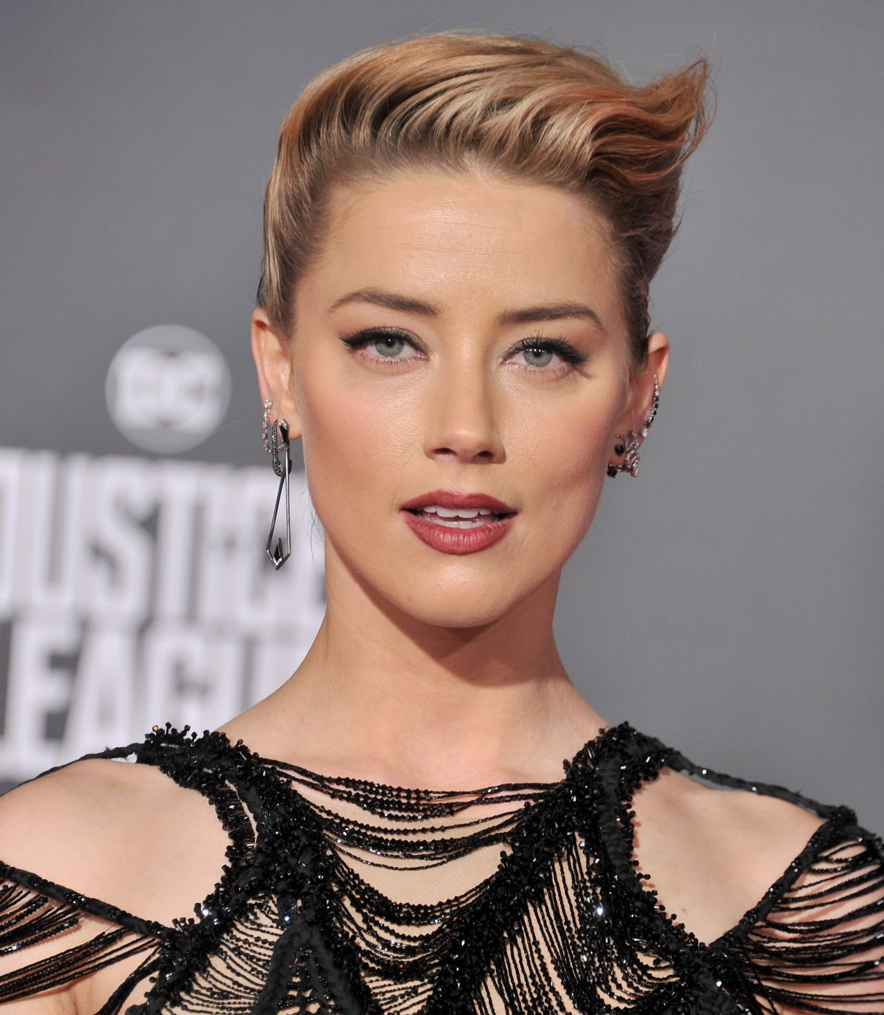 """Amber Heard: """"Justice League"""" Red Carpet In Los Angeles"""