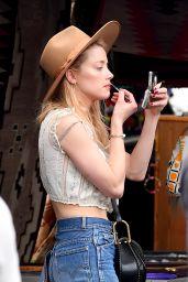 Amber Heard - Shopping at the Pasadena Flea Market in Pasadena 11/13/2017