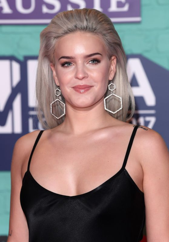 Anne-Marie – MTV Europe Music Awards 2017 in London