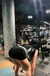 Ariel Winter - Working at a Gym in Los Angeles 11/07/2017