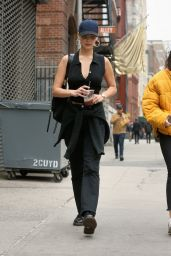 Bella Hadid Urban Street Style - Out in NYC 11/06/2017