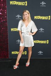 "Carissa Walford – ""Pitch Perfect 3"" Premiere in Sydney"