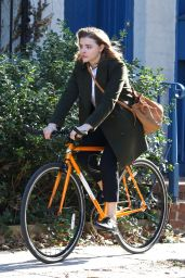 "Chloe Grace Moretz - ""The Widow"" Movie Set in NYC 11/12/2017"