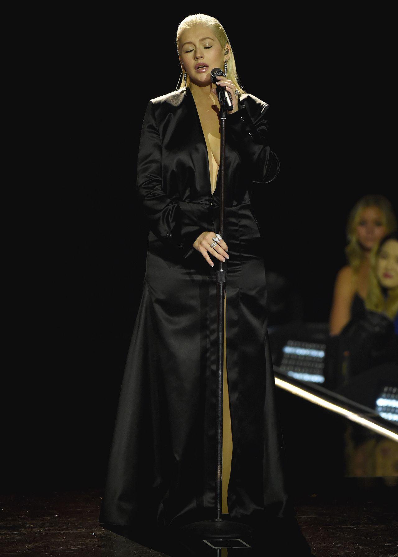 http://celebmafia.com/wp-content/uploads/2017/11/christina-aguilera-performs-live-at-the-2017-american-music-awards-in-la-4.jpg