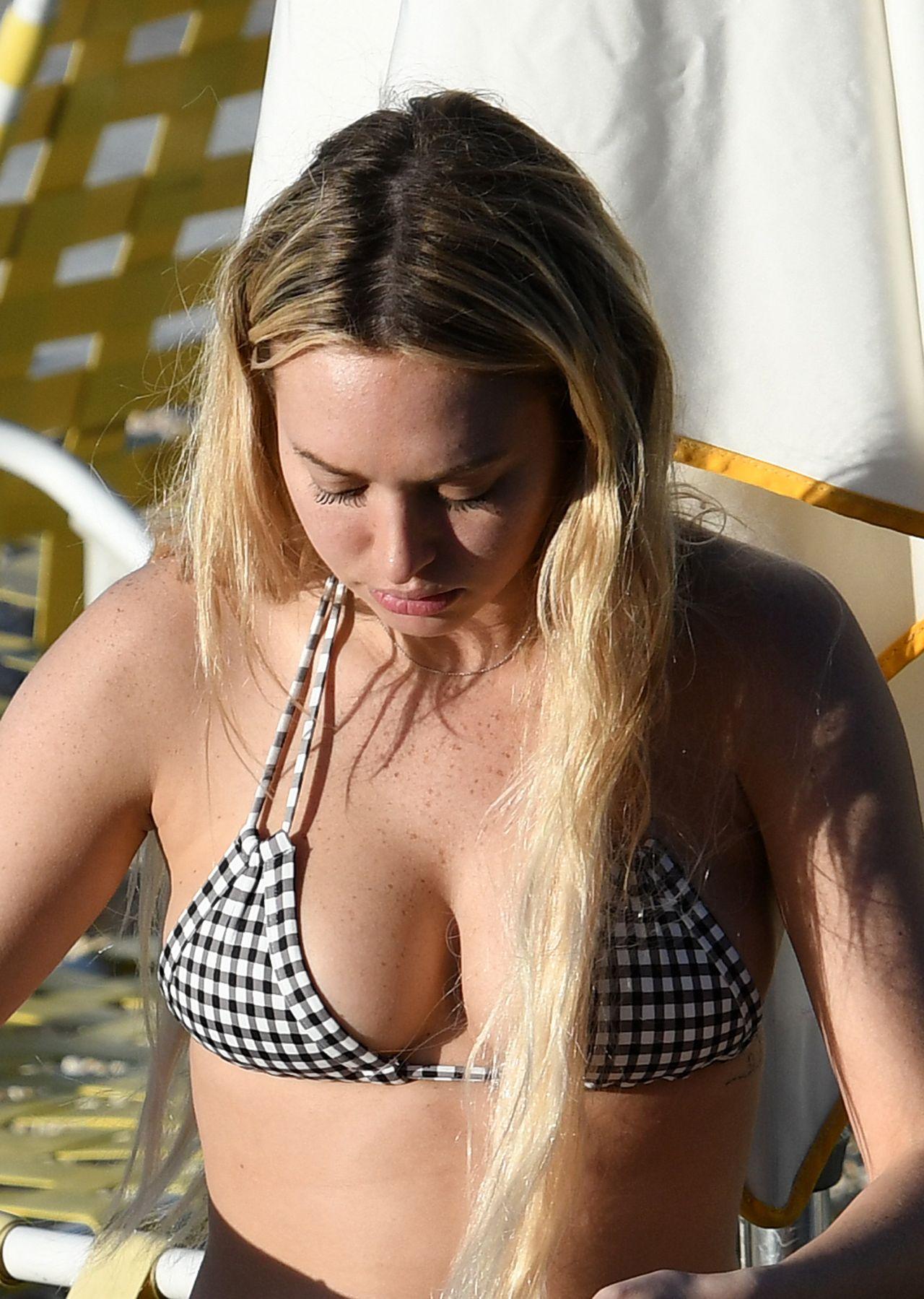 Corinne Olympios in Bikini by the Pool in Miami 11/26/2017