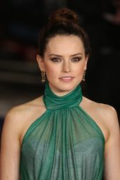 """Daisy Ridley - """"Murder on the Orient Express"""" Red Carpet in London"""
