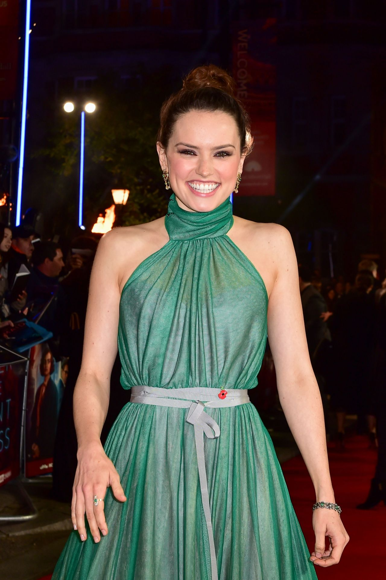 Daisy Ridley Quot Murder On The Orient Express Quot Red Carpet