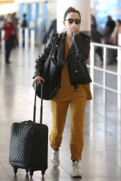 Daisy Ridley Travel Style - JFK International Airport in New York City