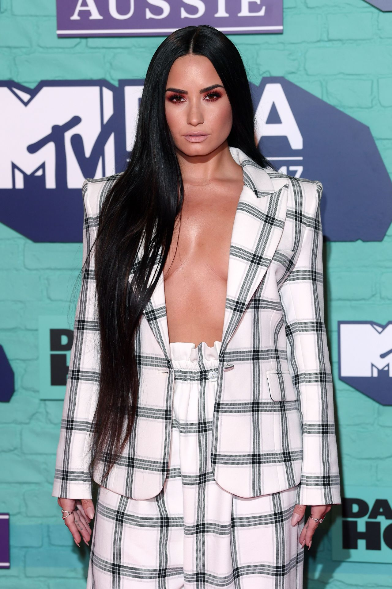 Demi Lovato Mtv Europe Music Awards 2017 In London