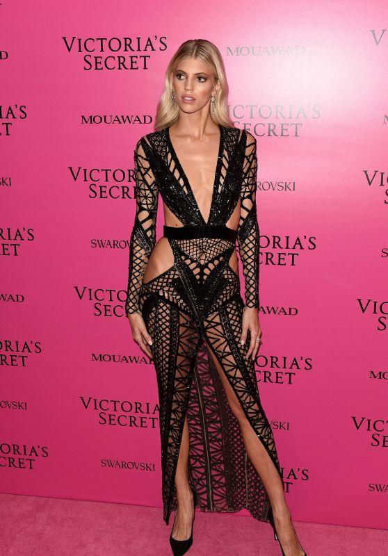 Devon Windsor – Victoria's Secret Fashion Show After Party in Shanghai 11/20/2017