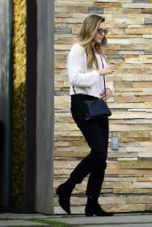 Elizabeth Olsen - After a Session at Shape House Urban Sweat Lodge in LA 11/14/2017