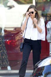Elizabeth Olsen Casual Style - Leaves a Waxing Salon in LA 11/12/2017